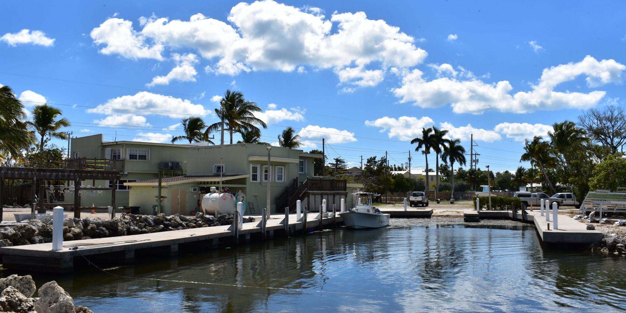 Keys-Marine-Lab-Rear-Water-Side